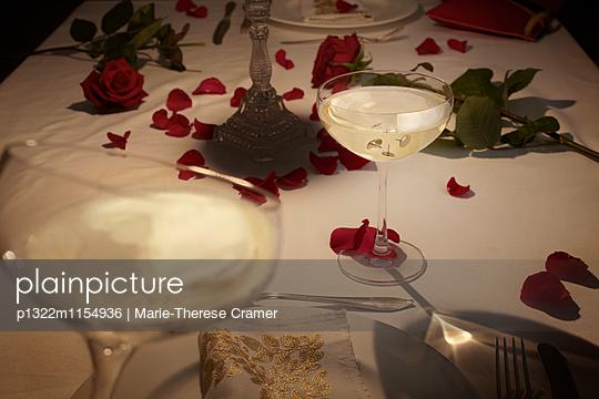 Aperitif bei Kerzenlicht - p1322m1154936 von Marie-Therese Cramer