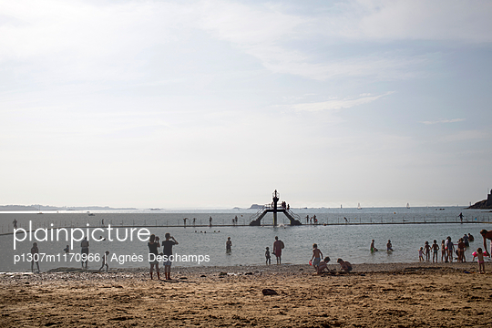 Beach Holidays  - p1307m1170966 by Agnès Deschamps