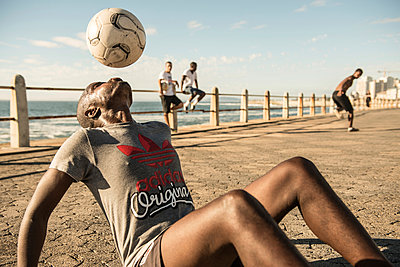 Freestyle Football - p1142m966076 by Runar Lind