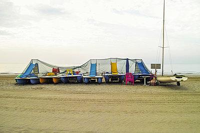 Pedalboats a the beach - p750m912805 by Silveri