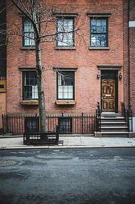 Red Brick Apartment Building, West Village, Manhattan, New York City, USA - p694m1129207 by Eric Schwortz