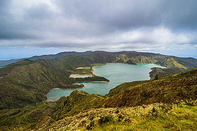 Lagoa de Fogo crater lake, Island of Sao Miguel, Azores, Portugal, Atlantic - p871m2019806 by Michael Runkel