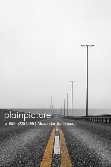 Köhlbrandbrücke - p1696m2294499 by Alexander Schönberg
