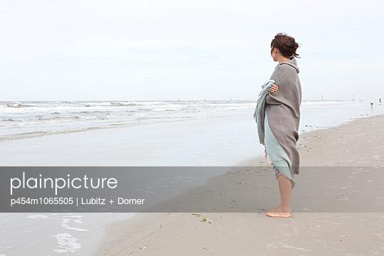 Gut eingewickelt - p454m1065505 von Lubitz + Dorner