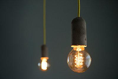 Glühbirnen - p608m1006810 von Jens Nieth