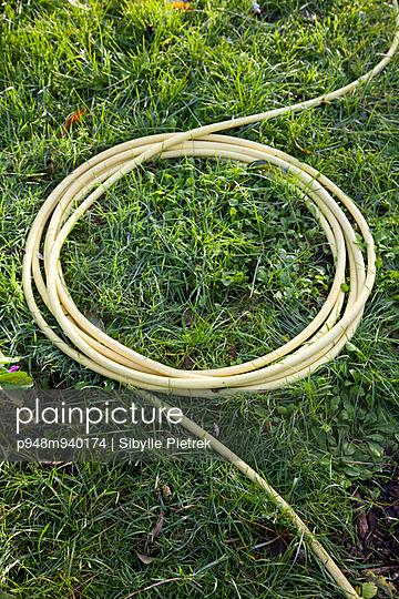 Gartenschlauch - p948m940174 von Sibylle Pietrek