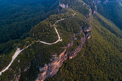 Road in Jamison Valley in Blue Mountains National Park - p1427m2000053 by WalkerPod Images