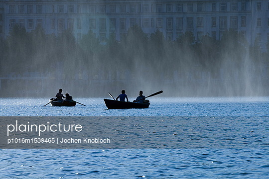 Ruderboote auf der Binnenalster - p1016m1539465 von Jochen Knobloch