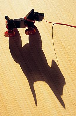 Spielzeughund - p3050007 von Dirk Morla