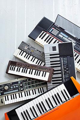 Keyboards - p464m715706 by Elektrons 08