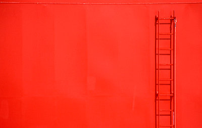 Red ladder on a ship's side - p3880558 by Luke Stephenson