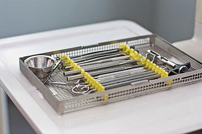 Zahnarztinstrumente - p814m971176 von Renate Forster