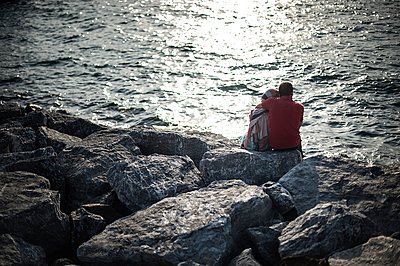 Couple - p1007m959898 by Tilby Vattard
