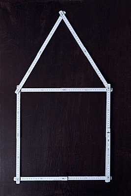 Housebuilding - p1149m2126933 by Yvonne Röder