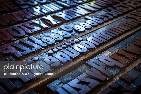 p1275m2005202 by cgimanufaktur
