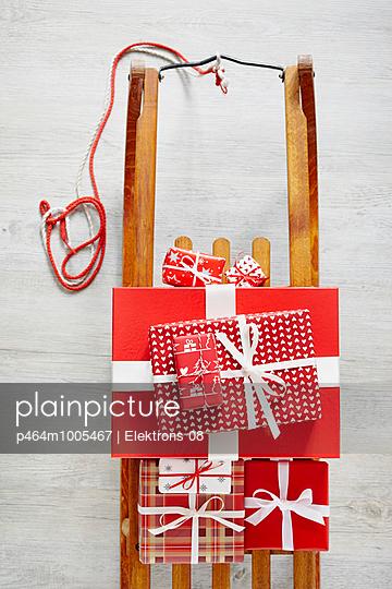 Geschenke, Geschenke - p464m1005467 von Elektrons 08
