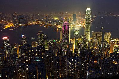 Hong kong cityscape at night - p9246129f by Image Source