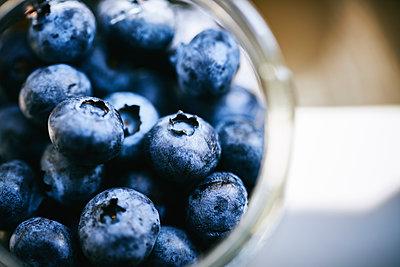 Blueberries - p968m2021357 by roberto pastrovicchio