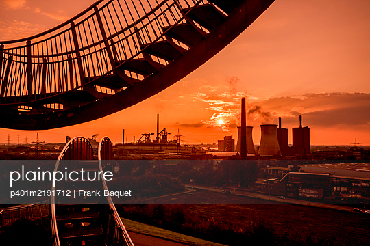 Tiger & Turtle Magic Mountain Duisburg - p401m2191712 by Frank Baquet