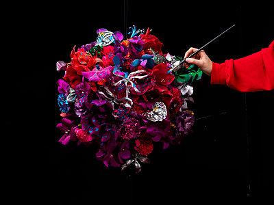 Flower ball - p801m2258890 by Robert Pola