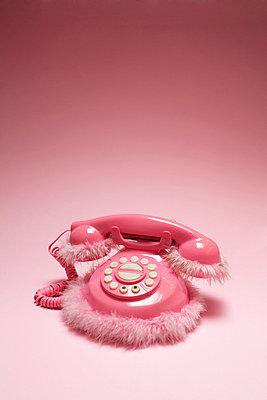 Weibliches Telefon - p2370525 von Thordis Rüggeberg