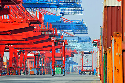 Containerterminal Bremerhaven - p1099m882908 von Sabine Vielmo