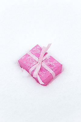 Weihnachtsgeschenk - p454m2076570 von Lubitz + Dorner