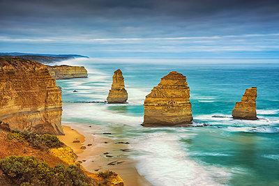 Twelve Apostles, Great Ocean Road, Australia - p651m2006223 by Tom Mackie