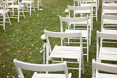 White wooden chairs - p8420012 by Renée Del Missier