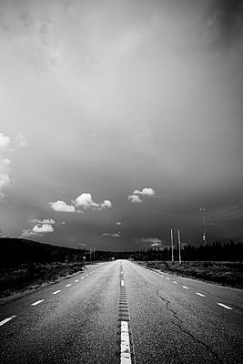 Country road - p248m817032 by BY