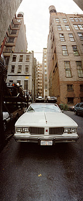 Car in alley, New York City, USA - p3012184f by fStop