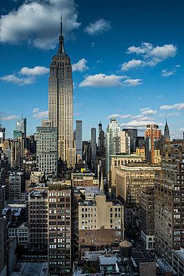 Empire State Building, Midtown, Manhattan, New York, USA - p1316m1422441 by Daniel Schoenen