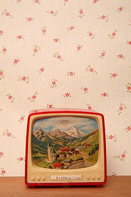 Miniature tv - p1650876 by Andrea Schoenrock