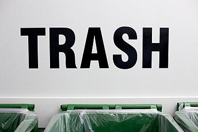 Trash - p7560170 by Bénédicte Lassalle