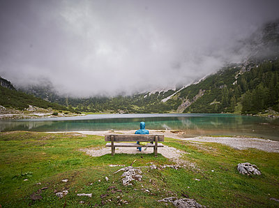 Österreich, Bergsee - p921m2263444 von Boris Leist