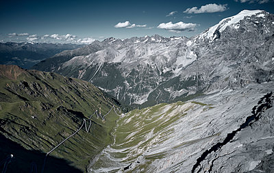 Stelvio Pass, North side, mountain landscape, South Tyrol - p850m2224783 by FRABO