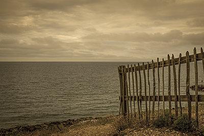 New Milton beach - p1228m1150150 by Benjamin Harte