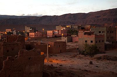Marokkanisches Land, Wohnsiedlung - p1356m1540094 von Markus Rauchenwald