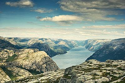 Lysefjord, Norwegen - p1200m1069682 von Carsten Görling