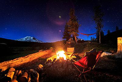 Campfire set up in Central Oregon - p1424m1500753 by Kyle Ledeboer