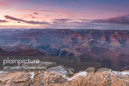 Sunset over Grand Canyon South Rim, UNESCO World Heritage Site, Arizona, United States of America - p871m2101315 by Jordan Banks