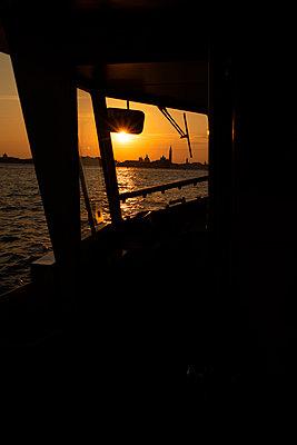 Sonnenuntergang über Venedig - p1493m1584709 von Alexander Mertsch