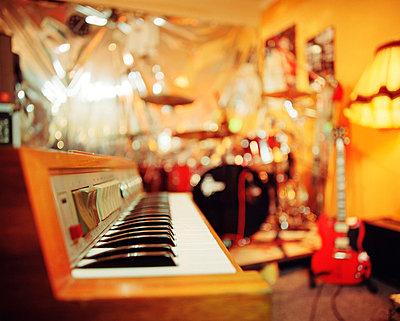 Keyboard instrument - p2680465 by Arne Landwehr