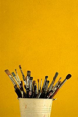 Gebrauchte Pinsel im Topf - p2200598 von Kai Jabs
