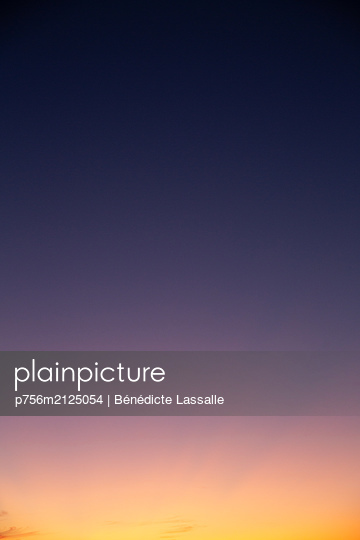 Sunset - p756m2125054 by Bénédicte Lassalle