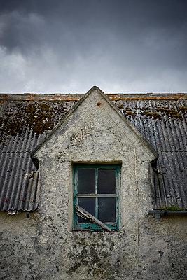 Verlassenes Haus - p1124m1491977 von Willing-Holtz