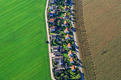 Germany, Poing, aerial view of  one-family houses settlement - p300m1114983f by Klaus Leidorf