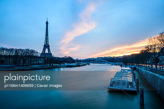 p1166m1406659 von Cavan Images