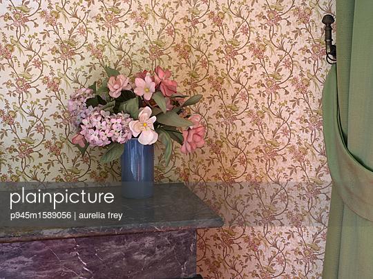 Künstliche Blumen - p945m1589056 von aurelia frey
