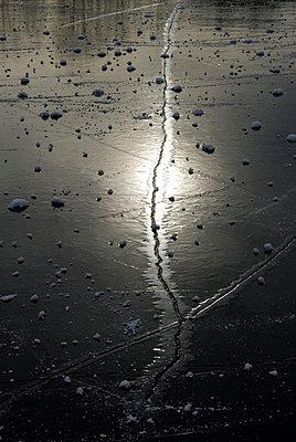 Frozen - p4510163 by Anja Weber-Decker